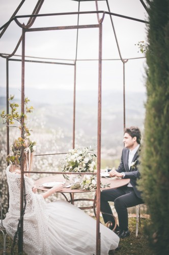 abito da sposa e scialle macrame di cotone